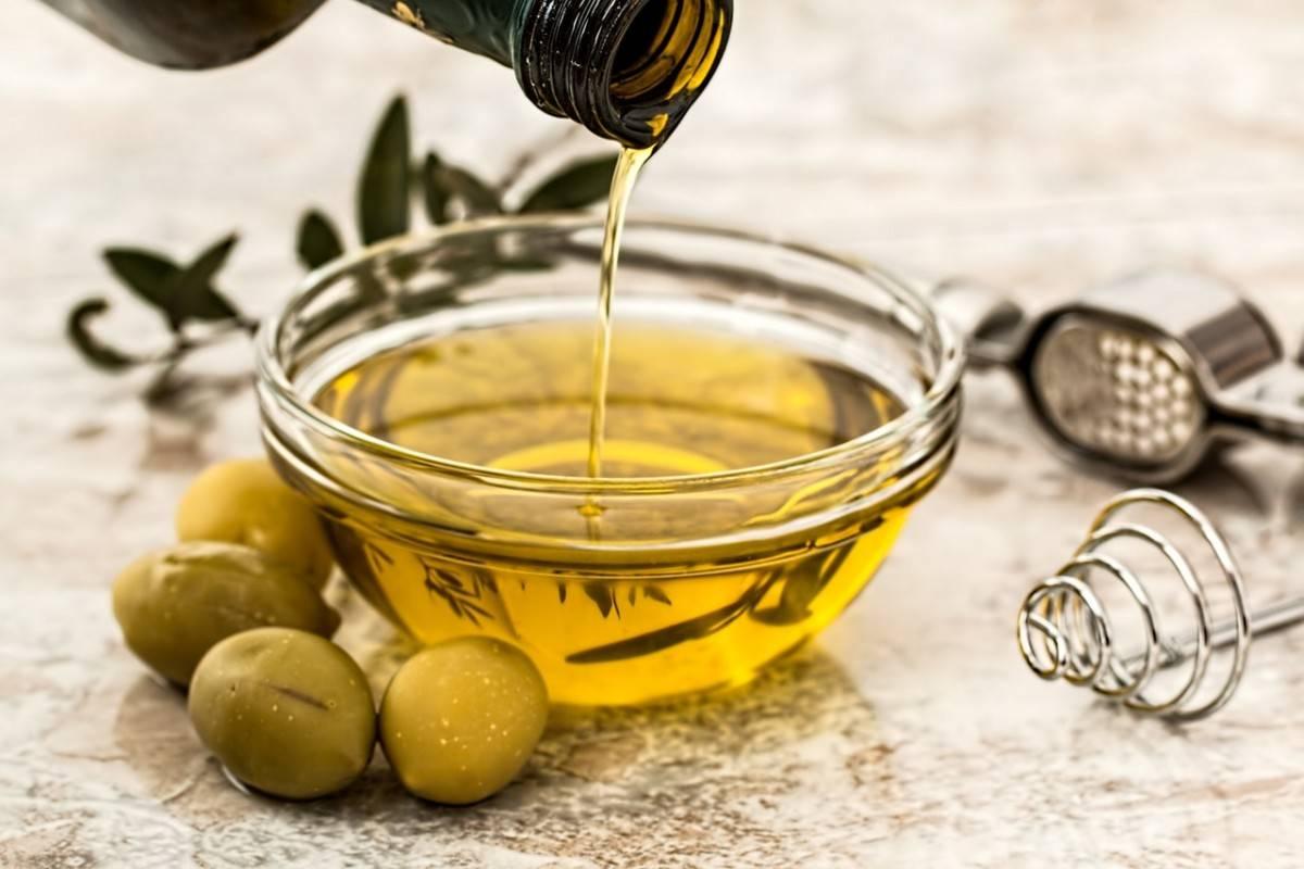 Souvlaki and olives